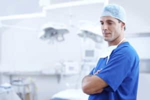 Devenir orthodontiste : études, salaire, emploi