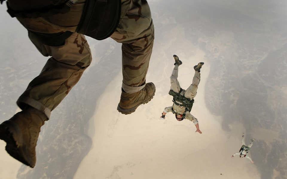 Peut-on se reconvertir professionnellement après l'armée ?