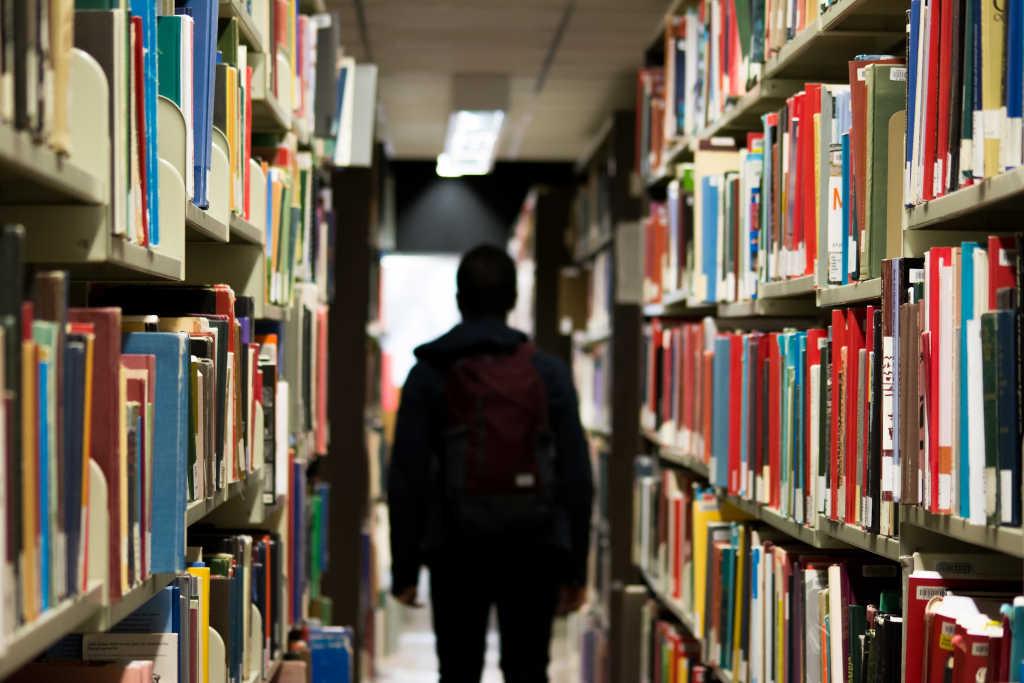 Le prix des études supérieures est parfois lourd à porter