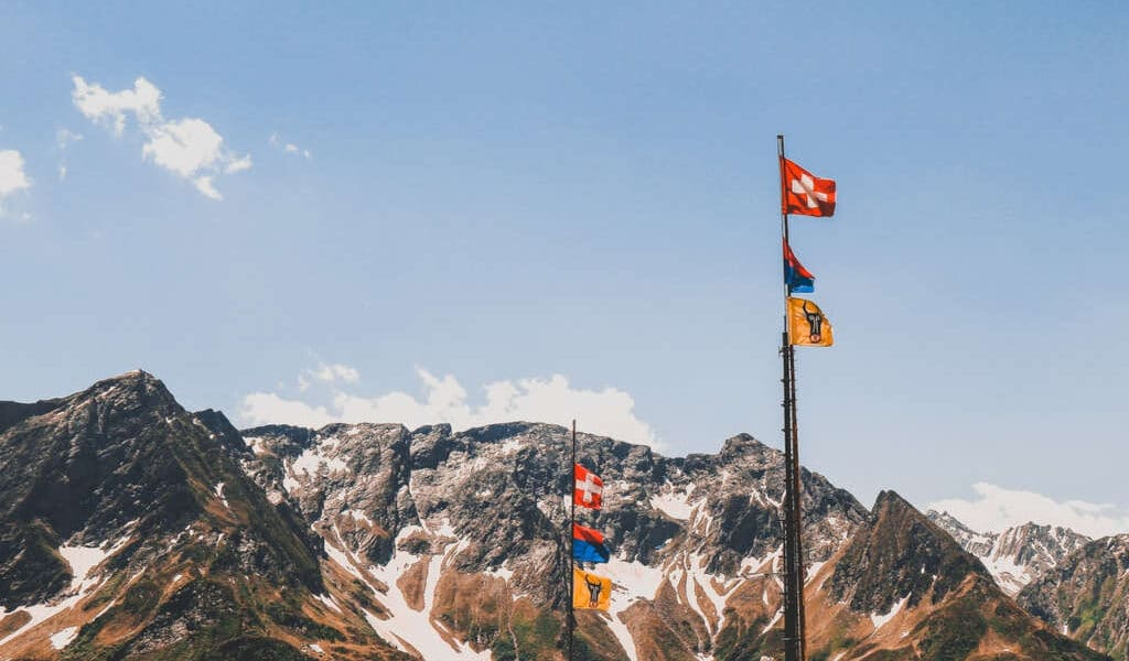 Quels sont les diplômes requis pour devenir comptable en Suisse ?