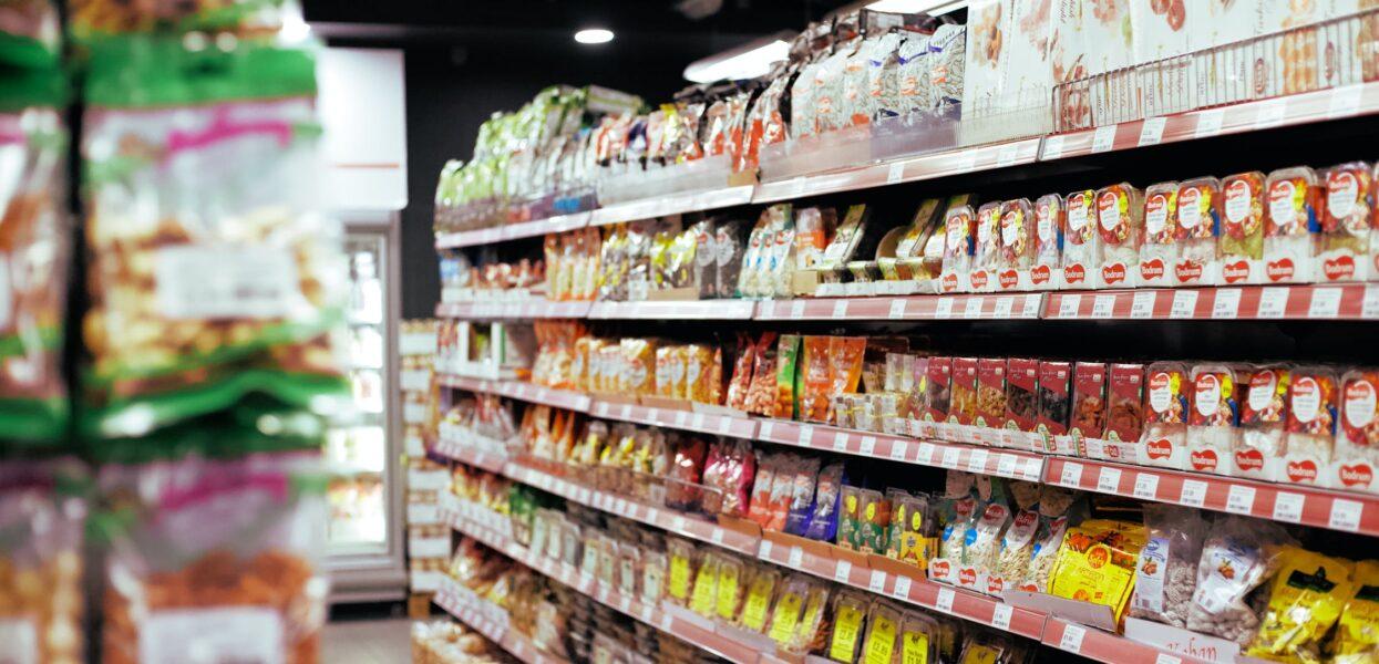 Chef de rayon en grande distribution : en charge du stock et du merchandising